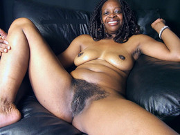 Amateur black women flashing their..