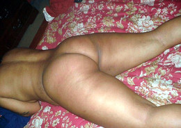 The sexiest ebony mature wifey shares..